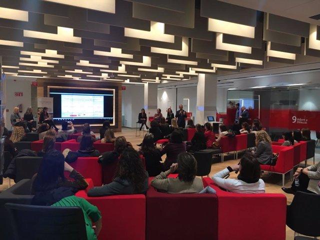 Santander impulsa espacios de 39 coworking 39 en sus oficinas for Oficina santander madrid