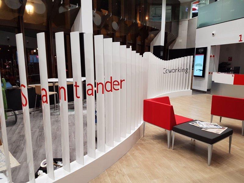santander impulsa espacios de 39 coworking 39 en sus oficinas