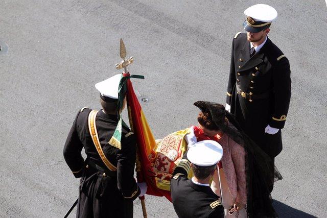 Jura de bandera Málaga portaviones Juan Carlos I 526 civiles beso España