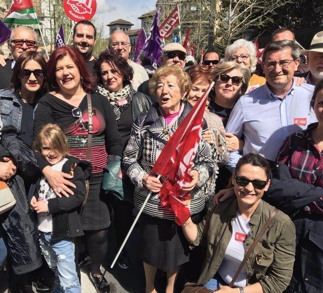 Concentración en defensa de las pensiones en Granada