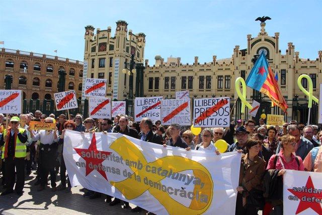 Manifestantes por la libertad de los presos políticos