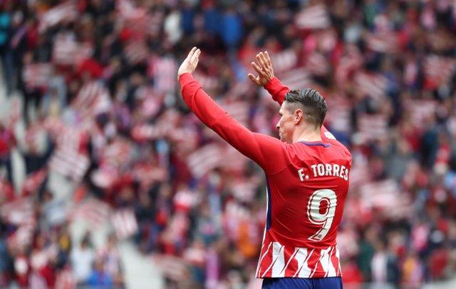 El Atlético recupera impulso en el día de Torres