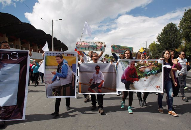 Manifestación para pedir la liberación de periodistas ecuatorianos