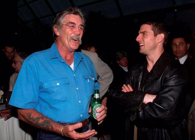 Los actores estadounidenses R. Lee Ermey y Tom Cruise.