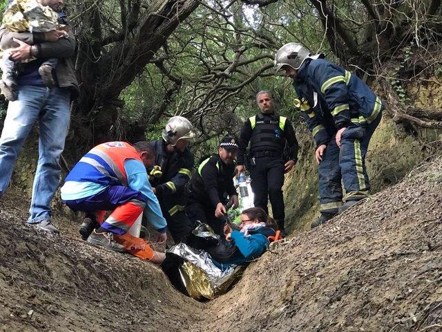 Trasladado de una senderista herida en un tobillo en Vejer (Cádiz)