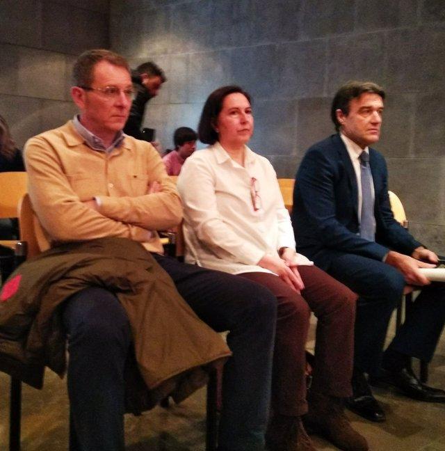 Alberto Mortera junto a los otros dos acusados en el Juzgado de lo Penal.