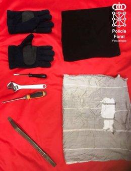 Útiles para robar utilizados por el presunto ladrón en Arantza.