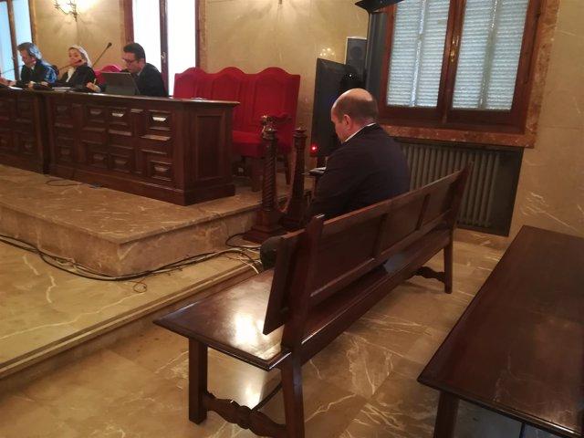 El acusado de grabar vídeos íntimos de menores en la Audiencia