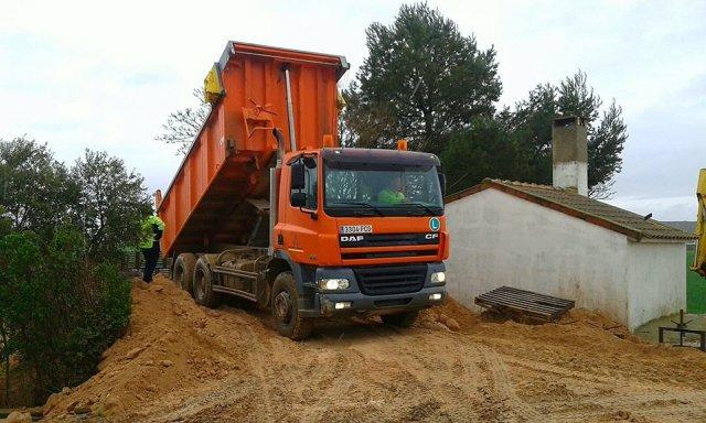 Una de las máquinas de la DPZ trabajando en Quinto de Ebro