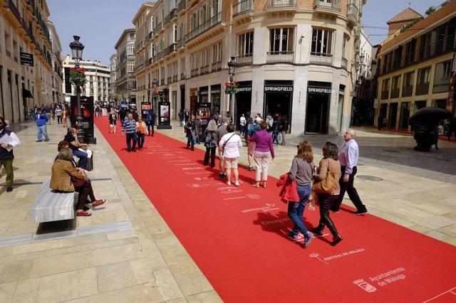 Festival Cine Málaga, alfombra, roja, turistas, pasean, alfombra, Larios