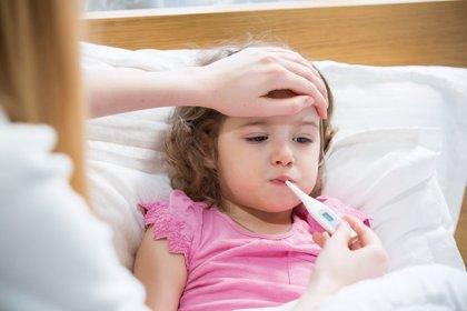Qué hacer (y qué no) cuando tus hijos tienen fiebre
