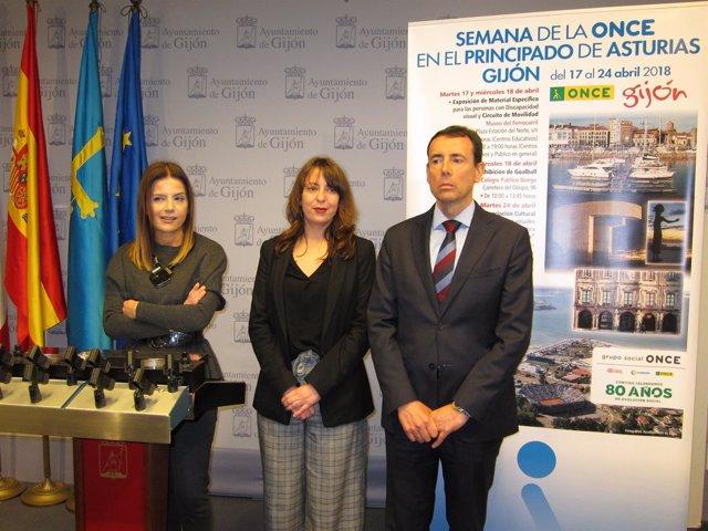 AITANA MARTÍNEZ Y PEDRO ORTIZ, RESPONSABLES DE ONCE ASTURIAS, Y EVA ILLÁN (FORO)