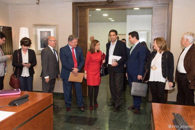 Los alcaldes, en la Comisión Especial del Mar Menor de la Asamblea Regional