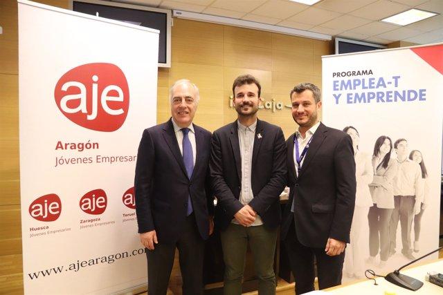José L. Rodrigo, Pedro Lázaro y Nacho Torre tras firmar el acuerdo Ibercaja-AJE.