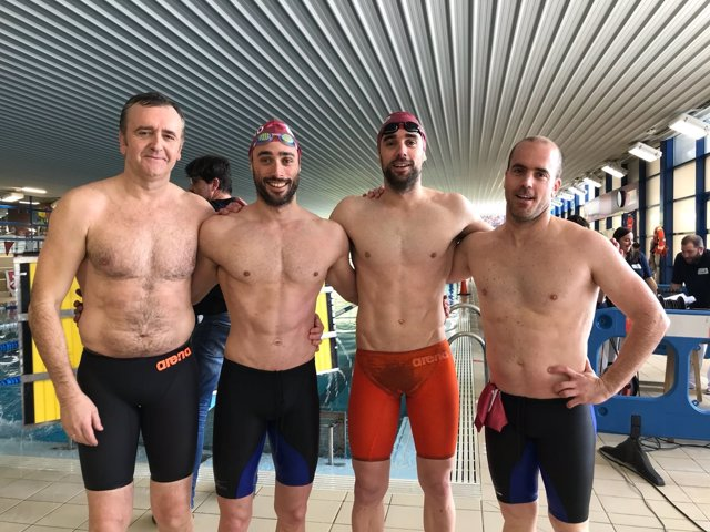 Integrantes del equipo del Getxo Igeriketa Waterpolo ganador