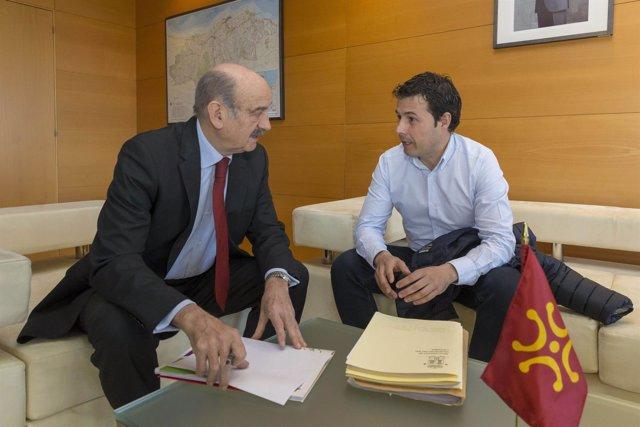 Mazón con el alcalde de Valdeprado del Río