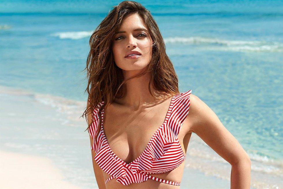 4eae33561f Sara Carbonero luce espectacular en bikini