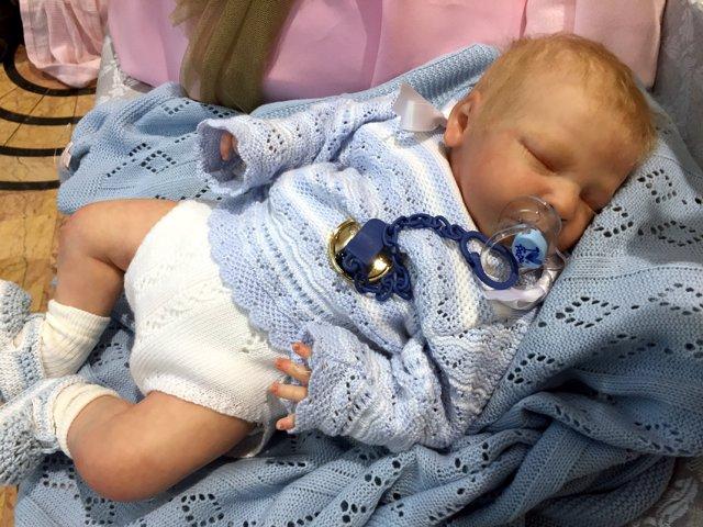 Imagen de uno de los muñecos que reproducen un bebé