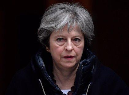 """May afirma que Reino Unido atacó en Siria """"por considerar que era lo correcto"""" y no porque lo pidiera Trump"""