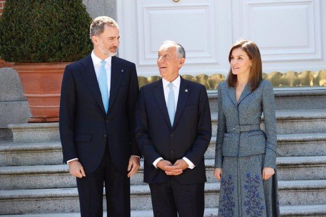 Los Reyes, con el presidente de Portugal, Marcelo Rebelo de Sousa