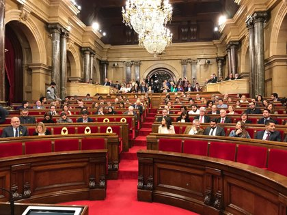 Los letrados señalan que el Parlament puede validar decretos del 155 sin que deba comparecer el Gobierno