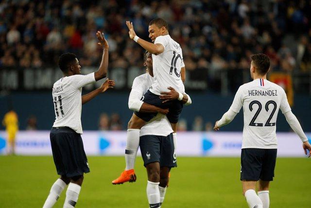 Mbappé ayuda a Francia a recuperar sensaciones ante Rusia