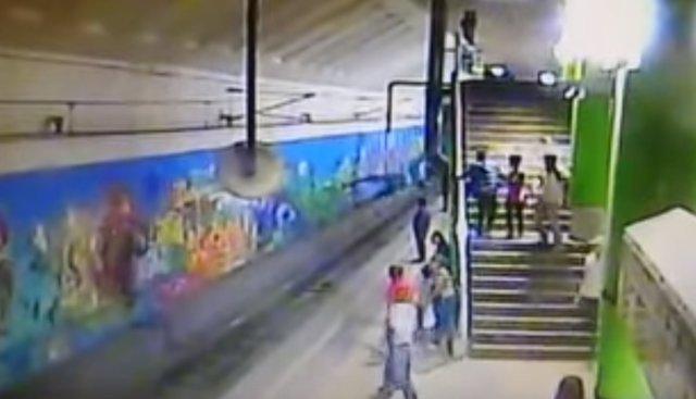 Caída metro Monterrey