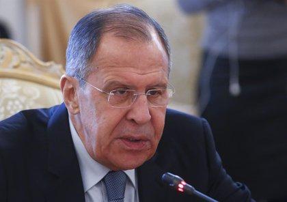 """Rusia advierte que podría prestar """"cualquier ayuda"""" militar a Siria tras el ataque tripartito"""