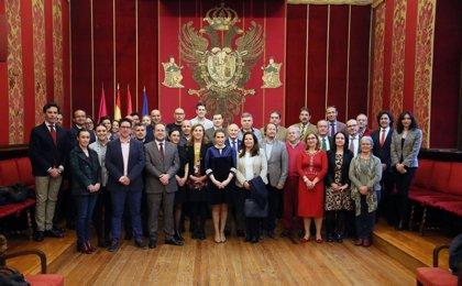 La alcaldesa de Toledo recibe a la delegación de las Ciudades Patrimonio que participa en el seminario 'Turismo Seguro'
