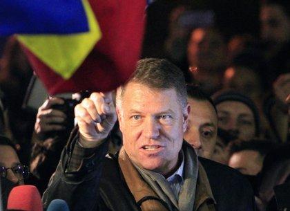 El presidente de Rumanía rechaza cesar a la jefa de la Fiscalía anticorrupción