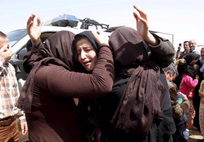 """Mujeres sospechosas de tener vínculos con Estado Islámico sufren una explotación sexual """"devastadora"""" en Irak, según AI"""