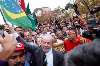 """Lula assegura que està """"tranquil"""" encara que """"indignat per una condemna que considera injusta (PAULO WHITAKER - Archivo)"""