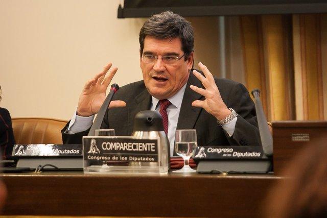 El presidente de la AIReF, José Luis Escrivá, en el Congreso