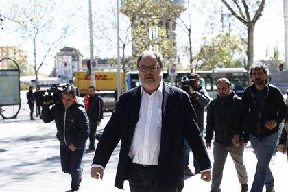 """Barbero no contradijo el """"bulo"""" de Policía Nacional para """"no echar gasolina al fuego"""" y PP y PSOE piden su cese"""
