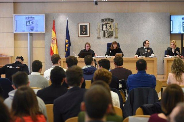 Juicio a los ocho acusados por la agresión a Guardias Civiles en Alsasua en 2016