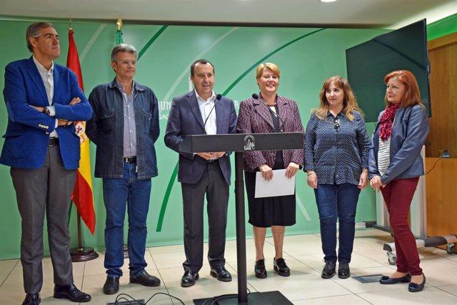 Faeneras de Málaga protagonizan la recreación teatral Muejeres con Historia