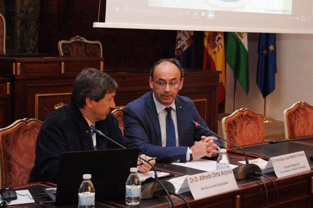 Martín (dcha.), en la presentación del congreso