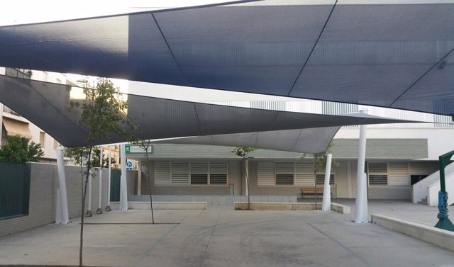 Zona con sombra en un colegio de Andalucía