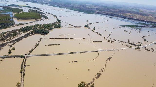 Crecida extraordinaria del río Ebro a su paso por Pina (Zaragoza)