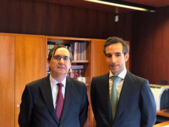 Juan José Sánchez Puig, director general del ISDE, y Manuel López-Medel