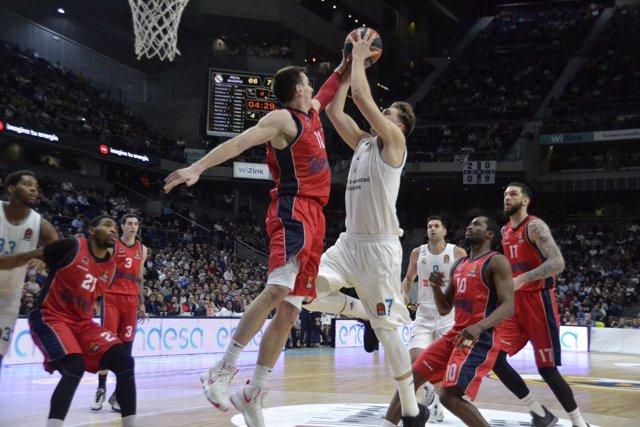 EL Real Madrid vence a Baskonia en Euroliga