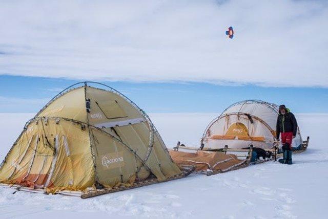 Trineo de viento de Ramón Larramendi en la Antártida