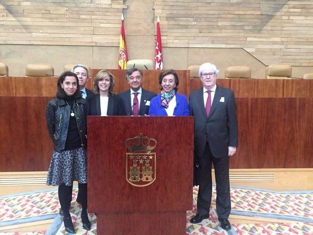 El presidente del Colegio de Farmacéuticos de Madrid en la Asamblea