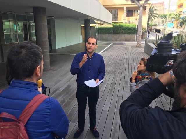 El portavoz de Podemos en el Cabildo de Gran Canaria, Miguel Montero