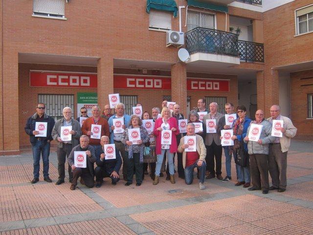La Federación de Pensionistas de CCOO Extremadura recoge más de 5.000 firmas