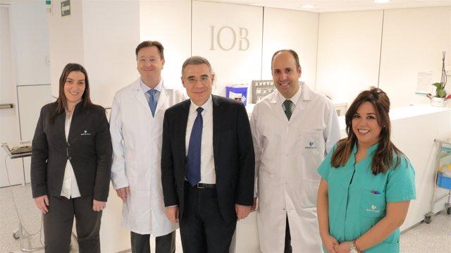 Doctores del IOB del complejo Ruber Juan Bravo