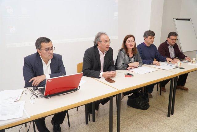 Armengol asiste en Menorca al primero de los encuentros con las Apimas de Baleares