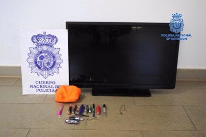 Detenidos en Hellín los dos presuntos autores del robo de un televisor en Hellín