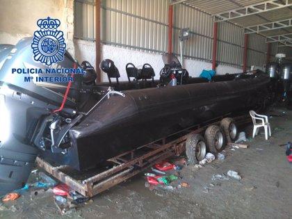 La Policía se incauta en La Línea de cinco lanchas semirrígidas y 2.200 litros de combustible