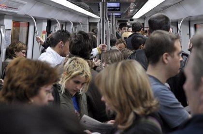 TMB reforzará el transporte público y recomienda el Metro en Barcelona